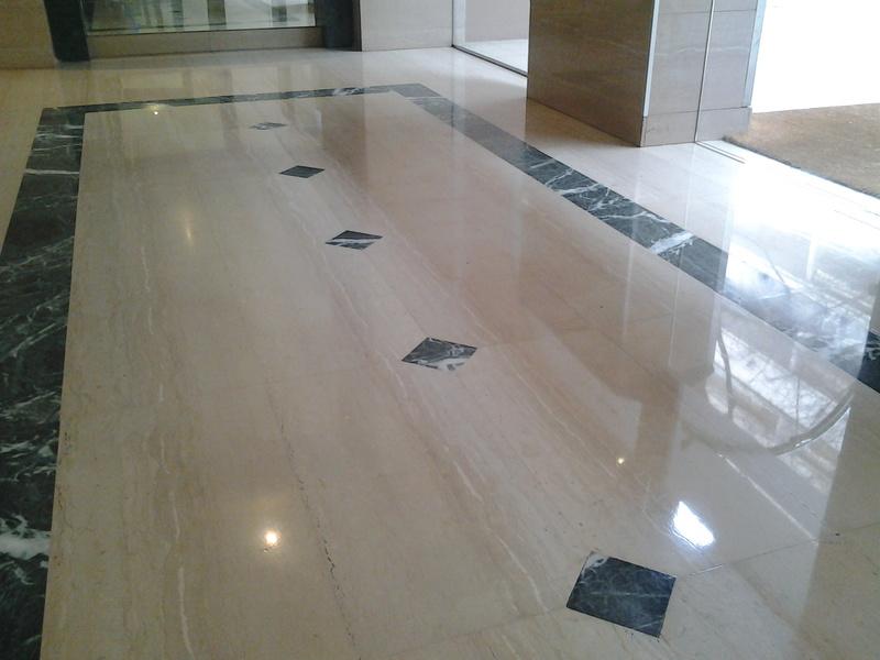 Consejos para la limpieza de suelos fayman for Marmol para suelos